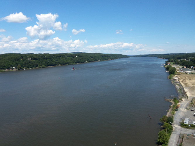 Looking north from the Walkway Over the Hudson