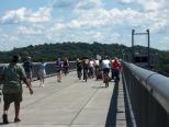 walkway_over_hudson_people